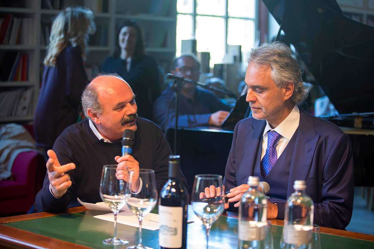 Farinetti and Bocelli in the Mirafiore Foundation